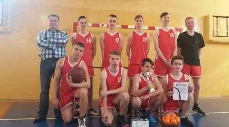 Puchar Dyrektora IV LO powędrował do Strachosławia