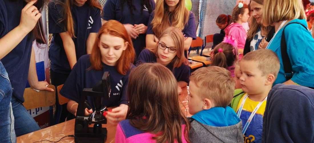 Młodzi odkrywcy na Festiwalu Nauki