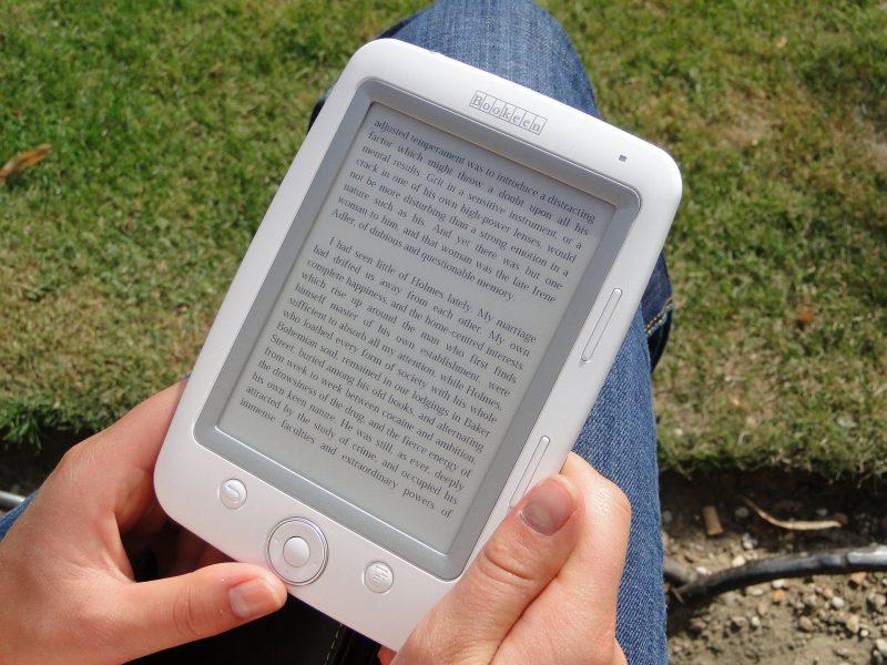 Czas na czytanie – czas na biblioteki cyfrowe