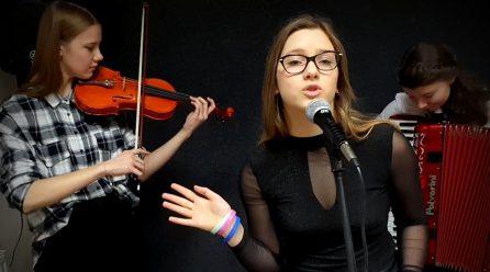 Julia Wolińska zaśpiewa po francusku