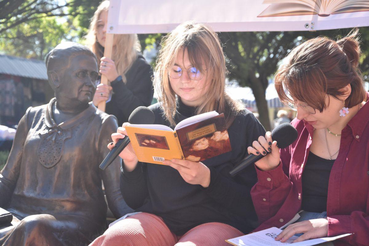 Czytaliśmy na ławeczce Jadwigi Młodowskiej – film