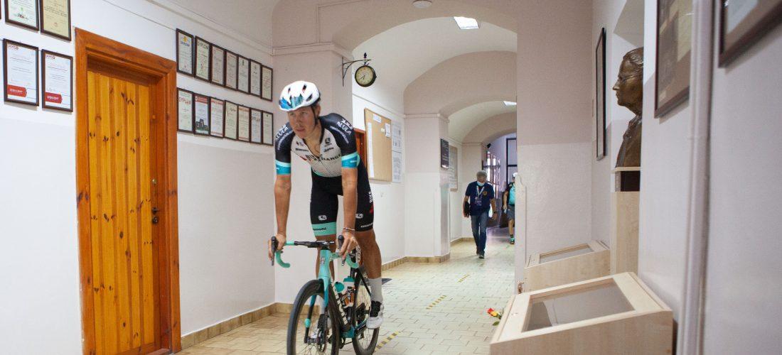 Kolarze 1. etapu 78. Tour de Pologne w IV LO – zdjęcia